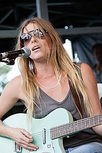 Shea Seger Singer Songwriter